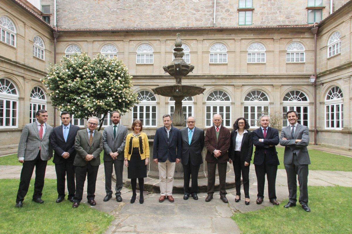 El equipo directivo de la Asociación Galega de la Empresa Familiar